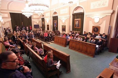 Demanem Un Nou Informe Jurídic Per Obrir El Ple A La Participació Ciutadana